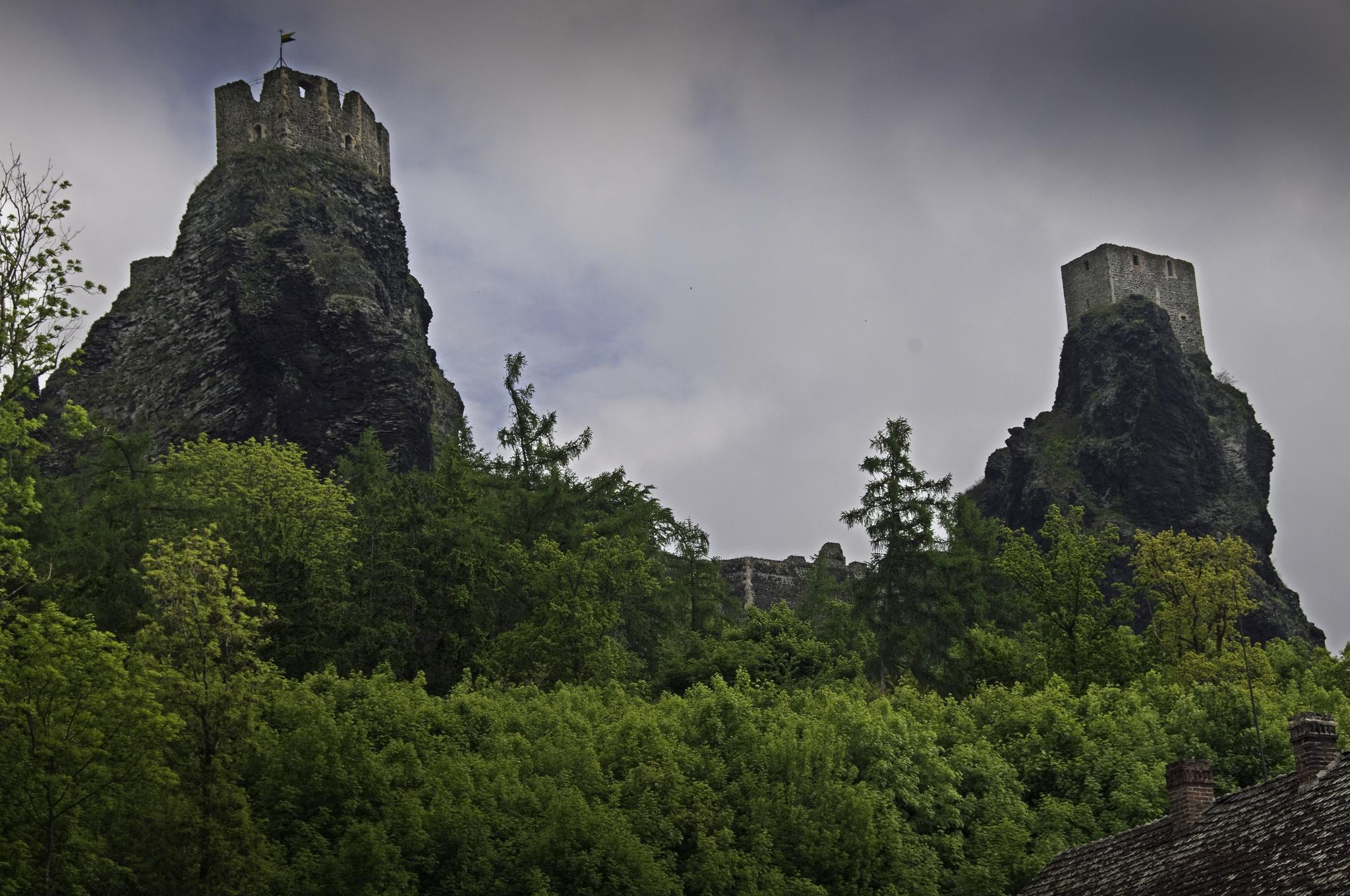 Руины замка Троски