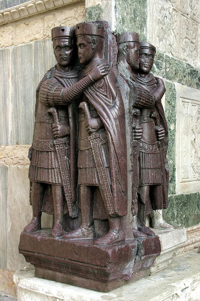 Собор Сан-Марко, порфировые тетрархи