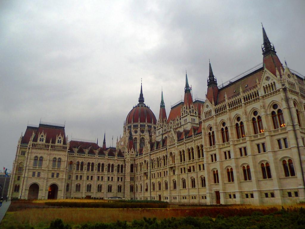 Внутренний двор венгерского парламента, Будапешт