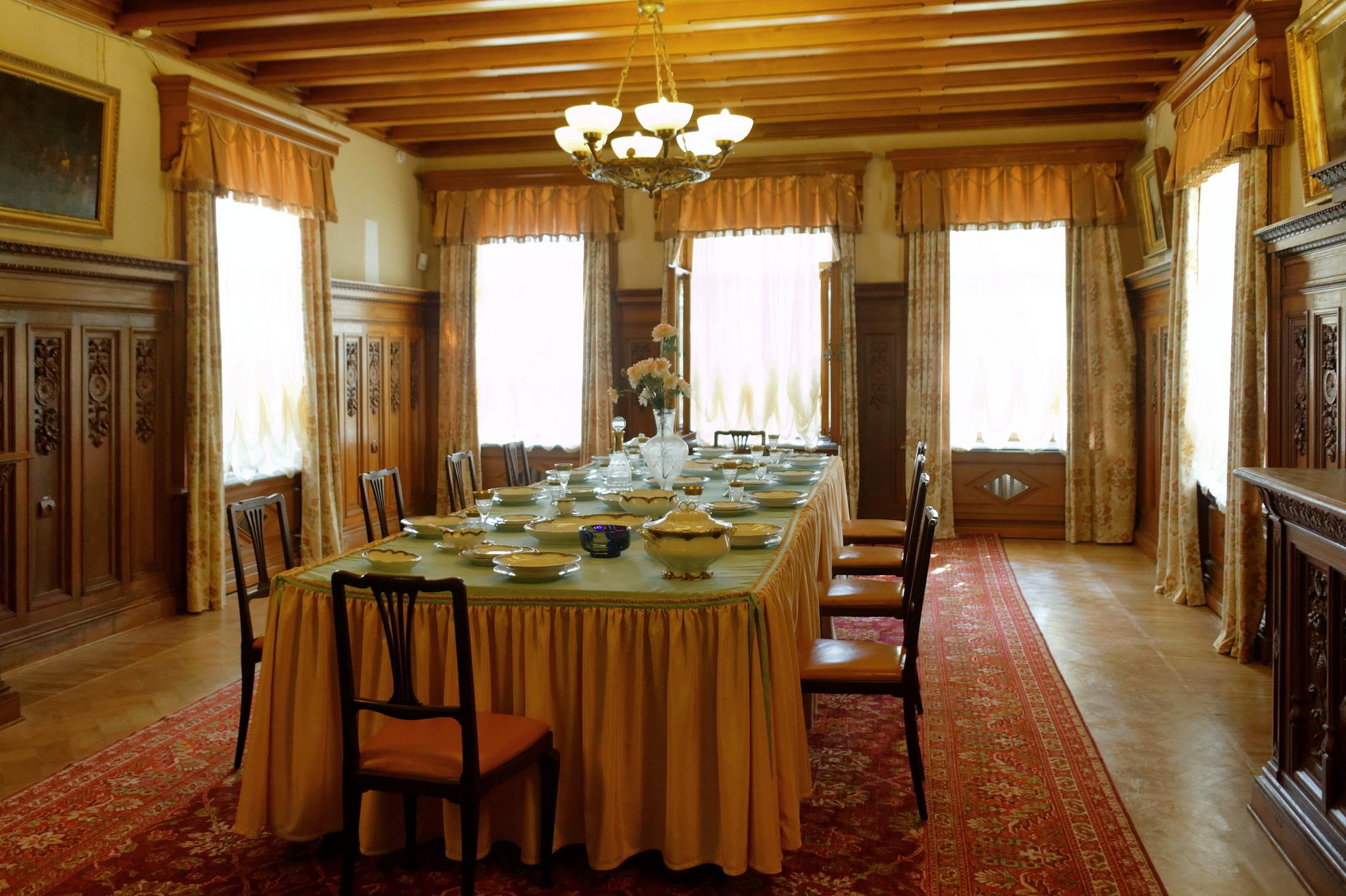 Столовая в Массандровском дворце, Ялта