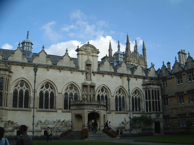 Колледж Oriel в Оксфорде