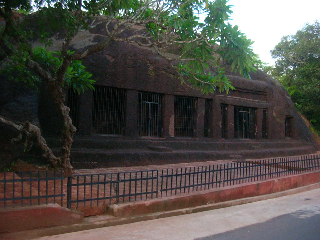 Пещеры Арвалем, Гоа