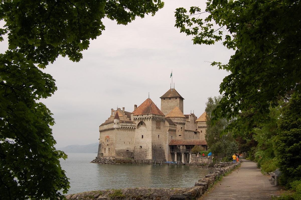 Вид на Шильонский замок, Женевское озеро