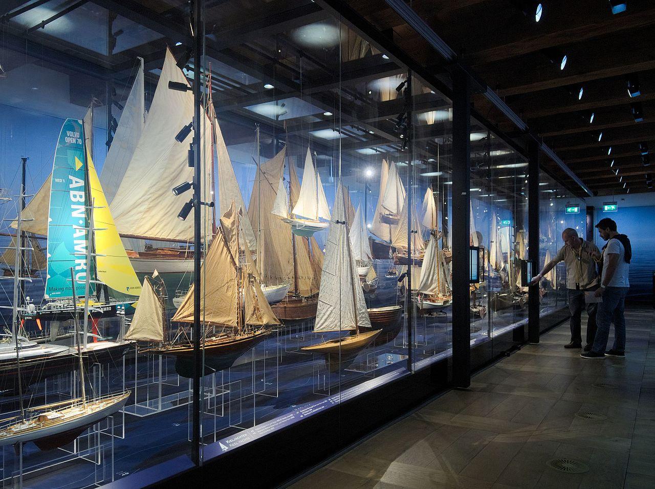 Музей судоходства в Амстердаме, модели яхт
