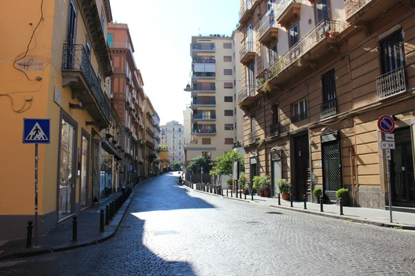 Утренний Неаполь