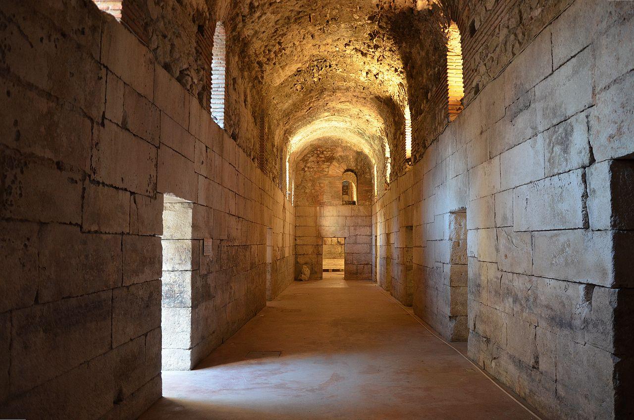 Дворец Диоклетиана, коридор