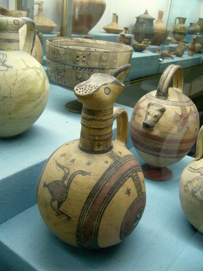 Кипрский археологический музей, керамические кувшины