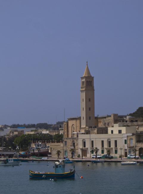 Колокольня церкви св. Анны, Марсаскала, Мальта.jpg