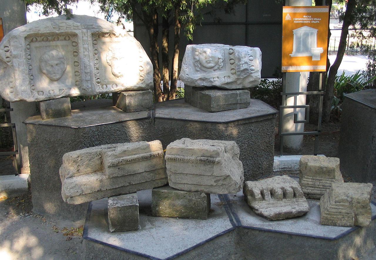 Остатки ионического храма в Горгиппии, Анапа