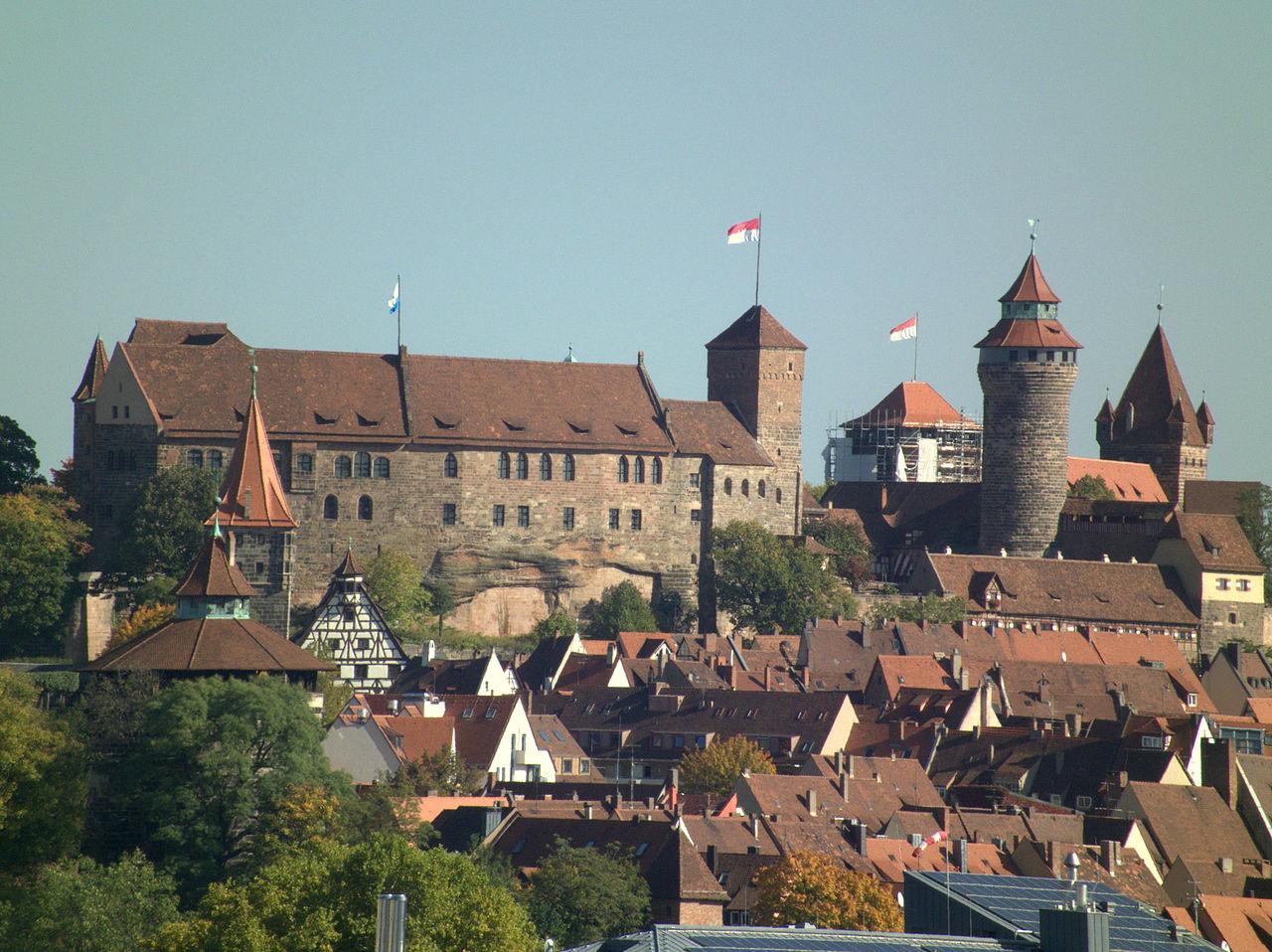 Нюрнбергская крепость над Старым городом