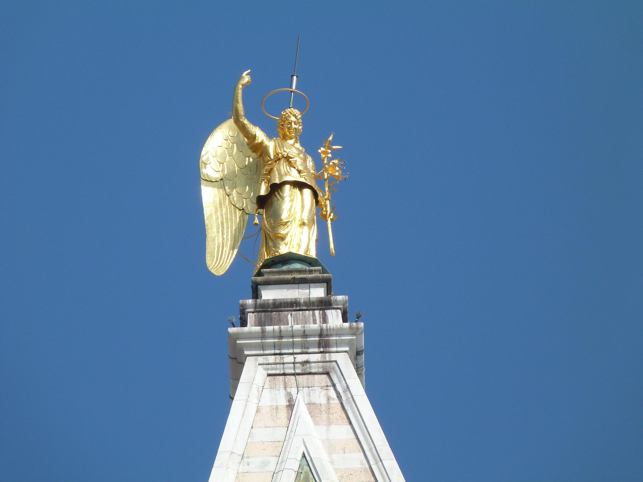 Кампанила собора Святого Марка, флюгер в виде золотого ангела