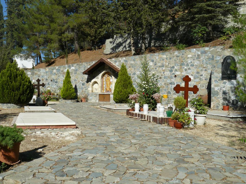 Монастырь Махерас, двор