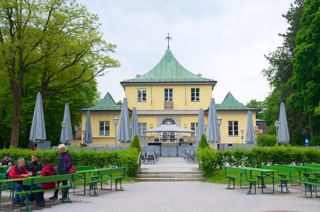 Английский сад в Мюнхене, пивной сад и ресторан