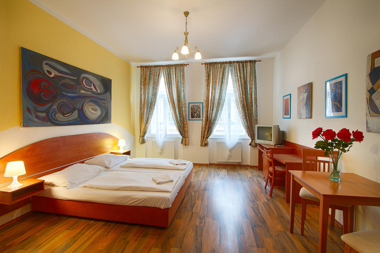 Stay Capri inexpensively