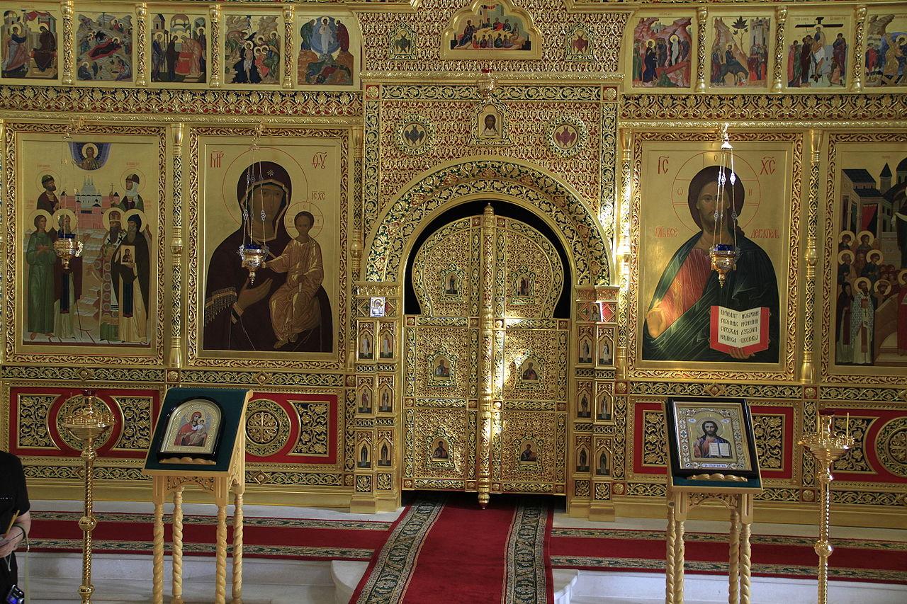 Вяземский Иоанно-Предтеченский монастырь, интерьер церкви Одигитрии