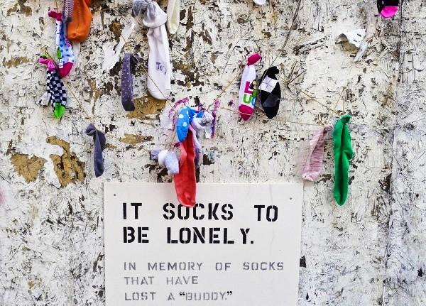 5 Стена одиноких носков в Бруклине.jpg