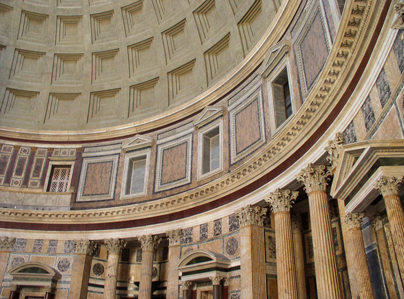 Древний языческий храм Пантеон, Рим