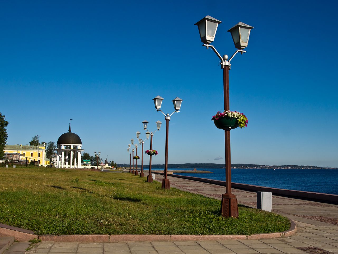 Онежская набережная (Советская площадь), Петрозаводск