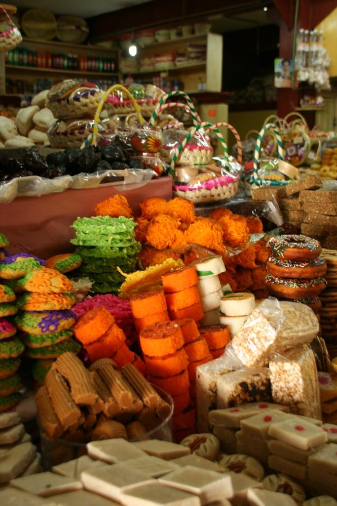 Вкусные сладости в Сан-Кристобаль, Мексика.JPG