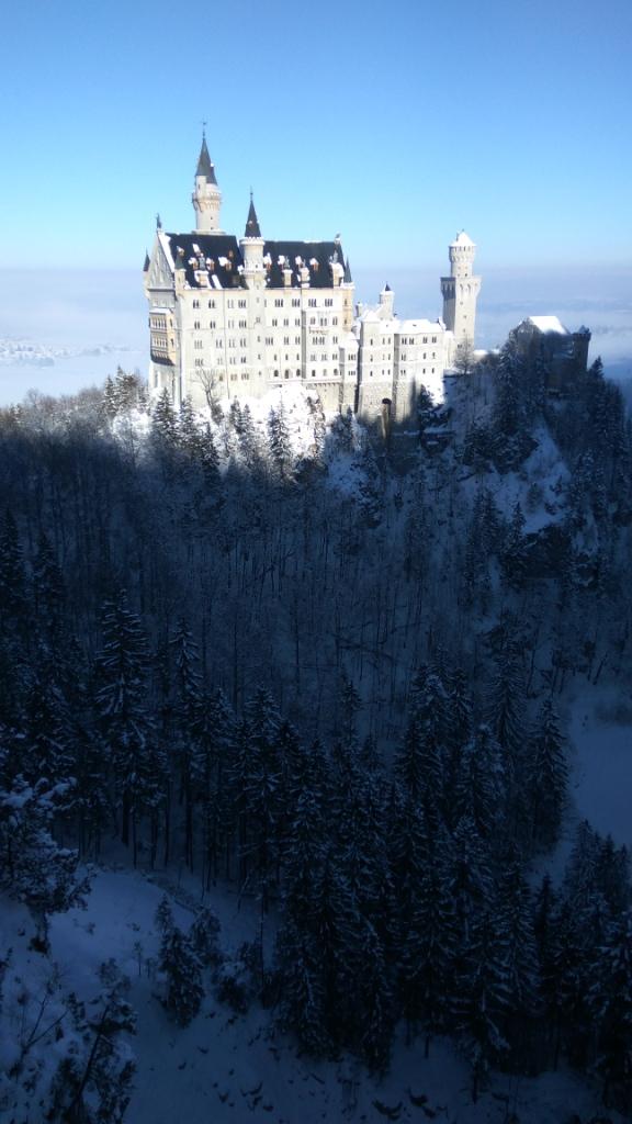 Зимний Нойшванштайн в Германии