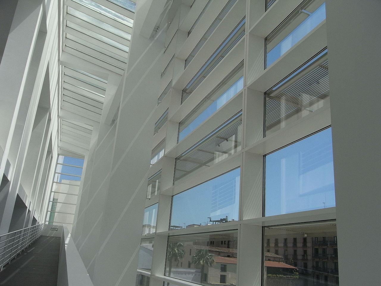 Музей современного искусства Барселоны, интерьер