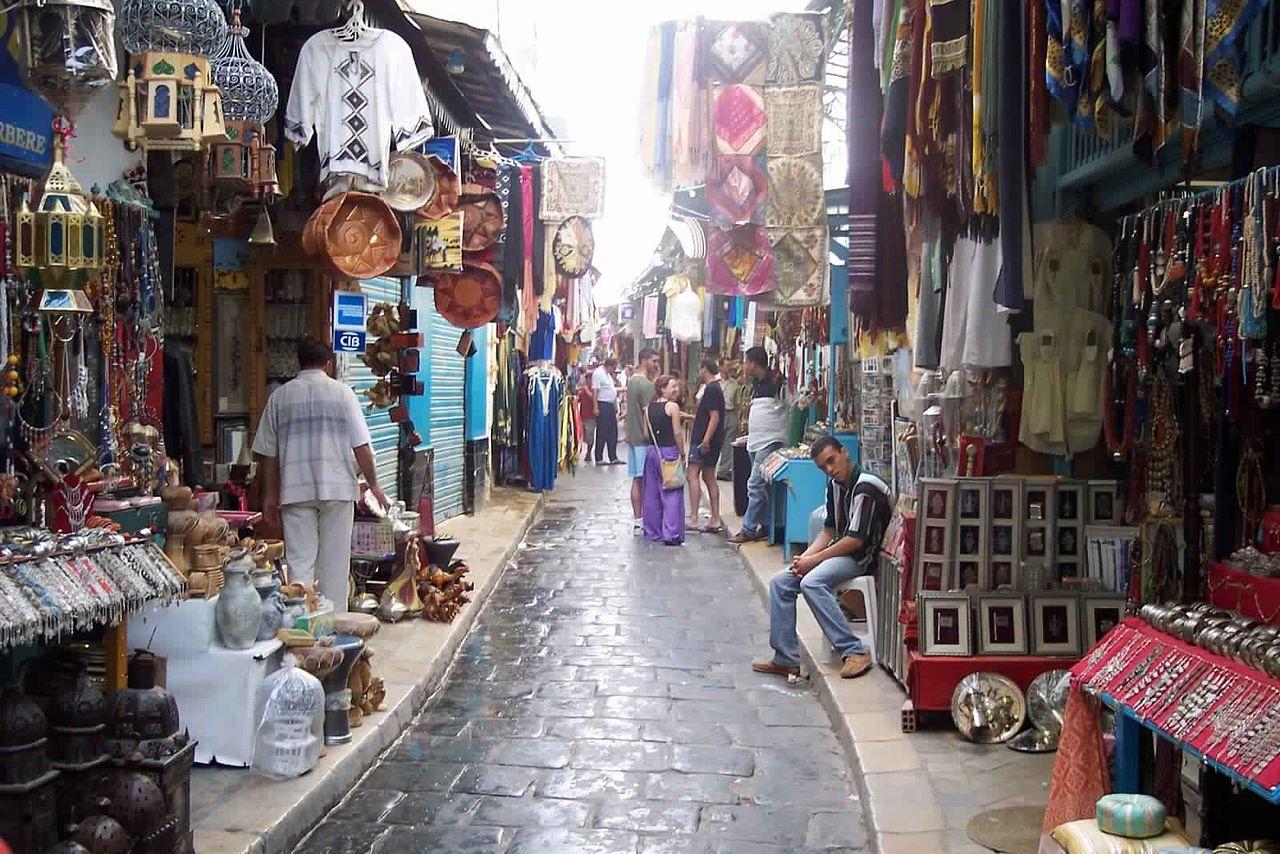 Медина города Тунис, торговая улица