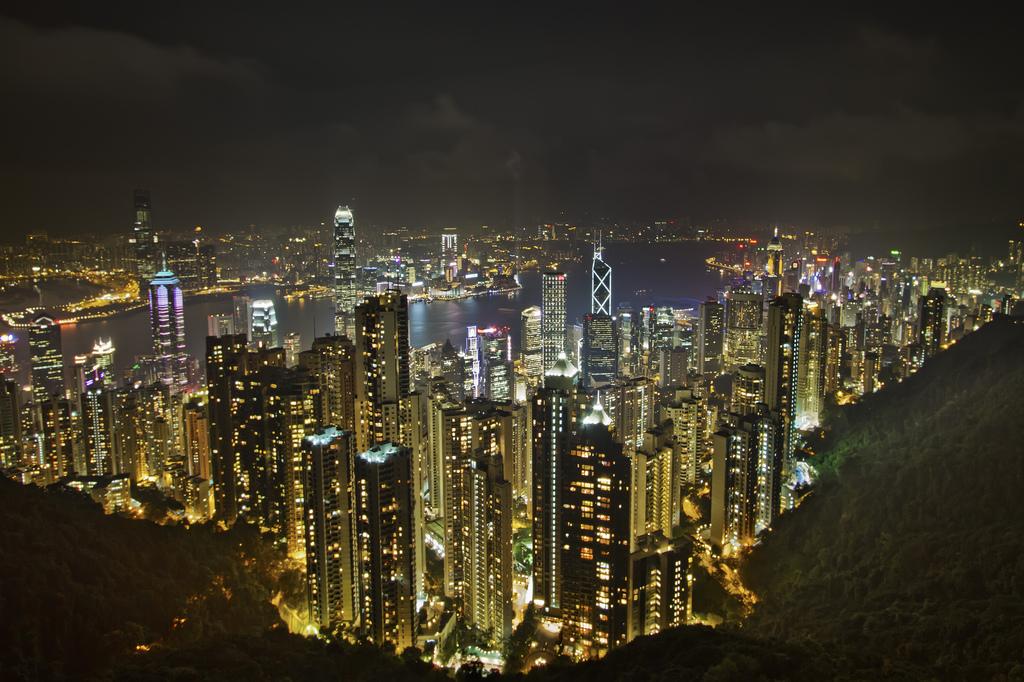 Пик Виктория, вид на ночной Гонконг