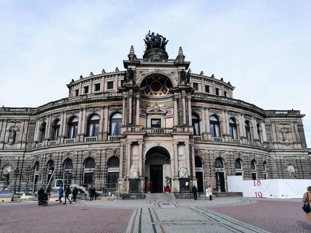 Здание Дрезденской оперы, Германия