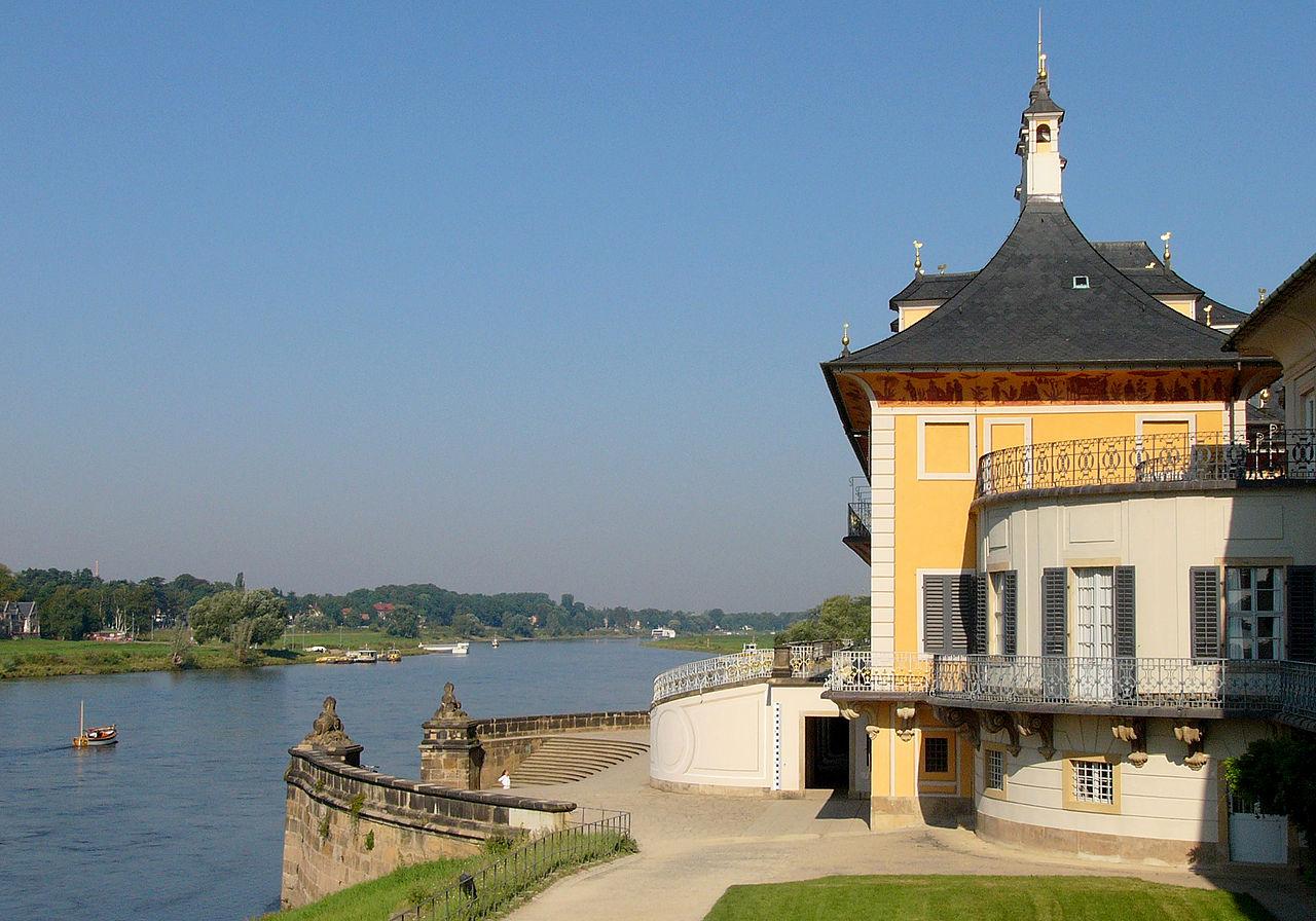 Замок Пильниц, вид на Эльбу