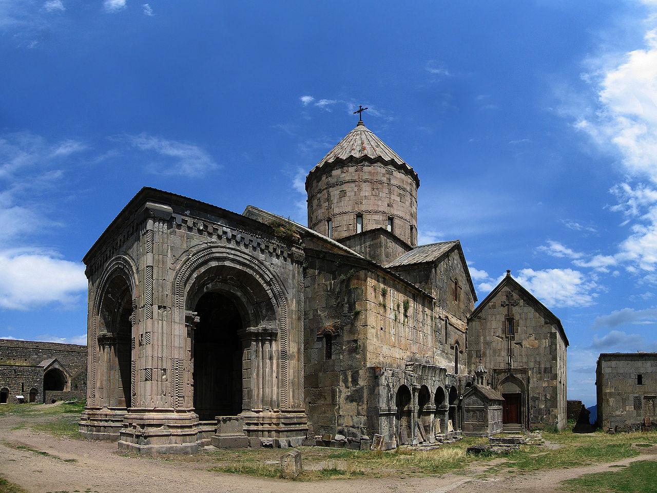 Монастырь Татев, Собор Сурб Погос-Петрос (святых апостолов Павла и Петра)