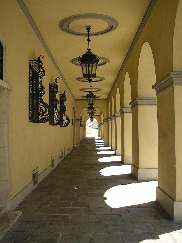 Шварценбергский дворец в Праге, аркада