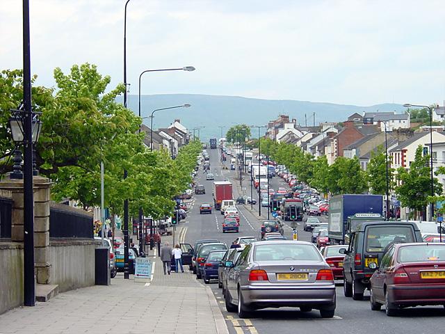Главная улица Кукстауна, Северная Ирландия.jpg