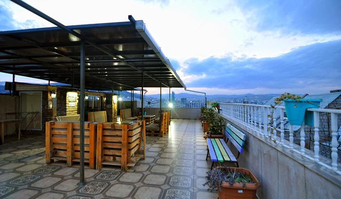 7 недорогих отелей в Тбилиси Renaissance Hotel 1.jpg
