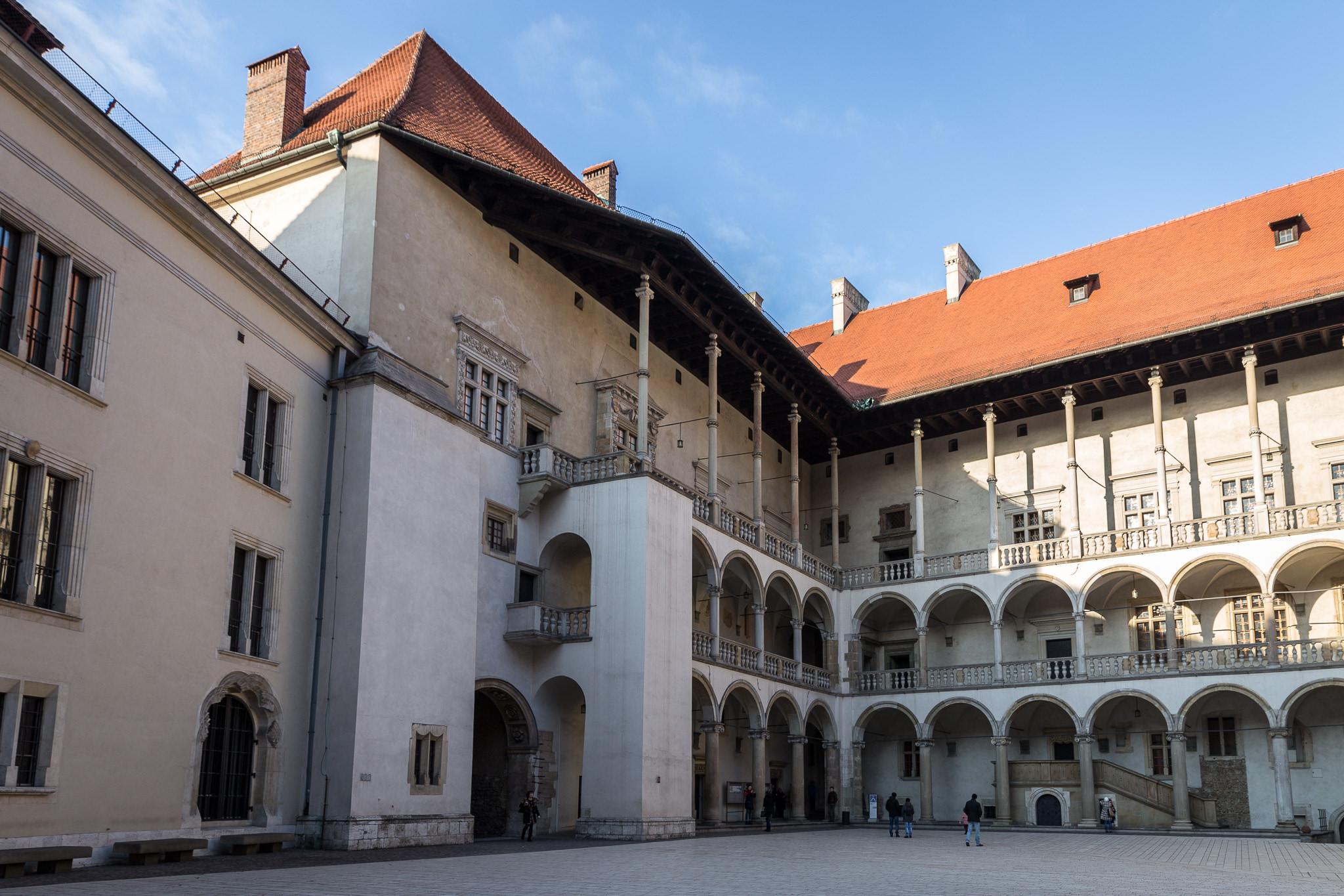 Королевский замок (Вавель) в Кракове, двор