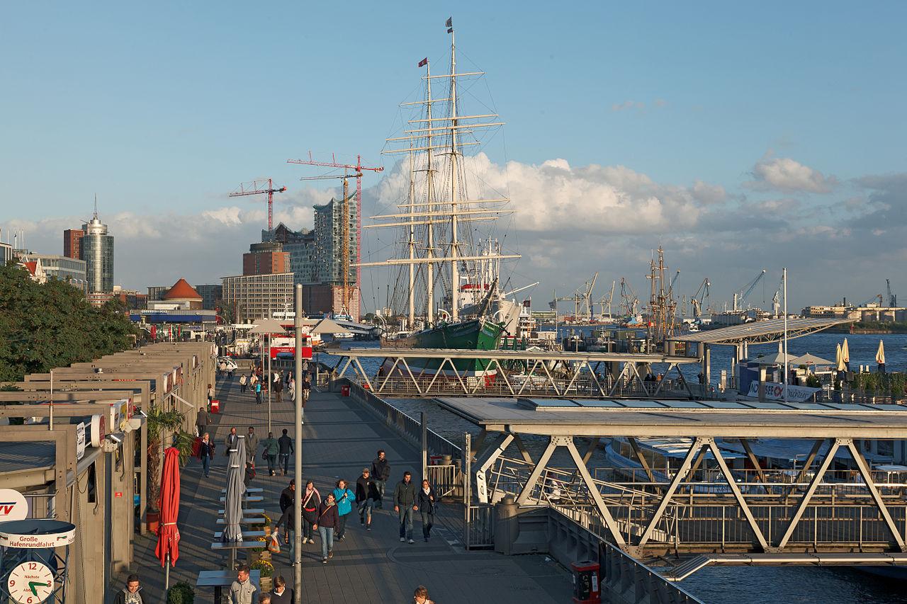 Порт Гамбурга, один из причалов