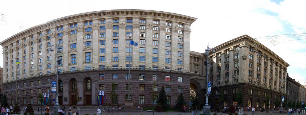 Киевский городской совет, Крещатик