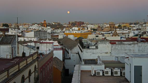 Крыши домов, Севилья, Испания