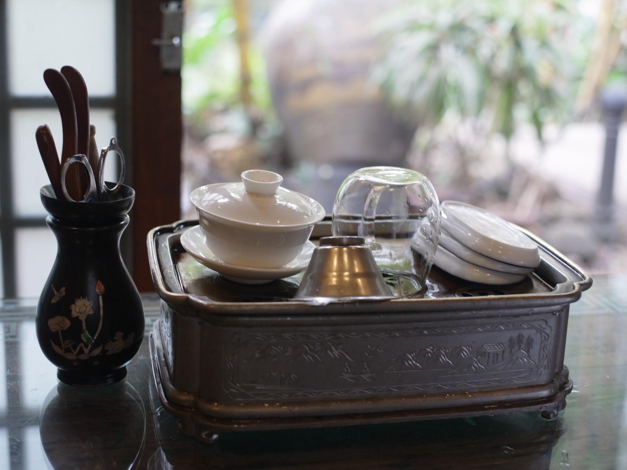 Сад орхидей в Гуанчжоу, в чайном домике