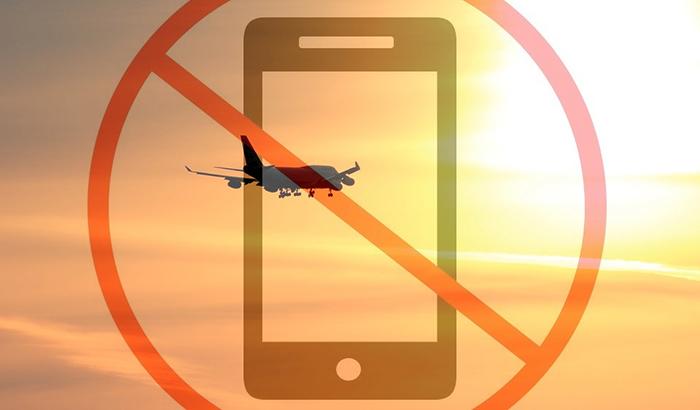 4 причины, по которым пользоваться мобильным в самолете нельзя 1.jpg