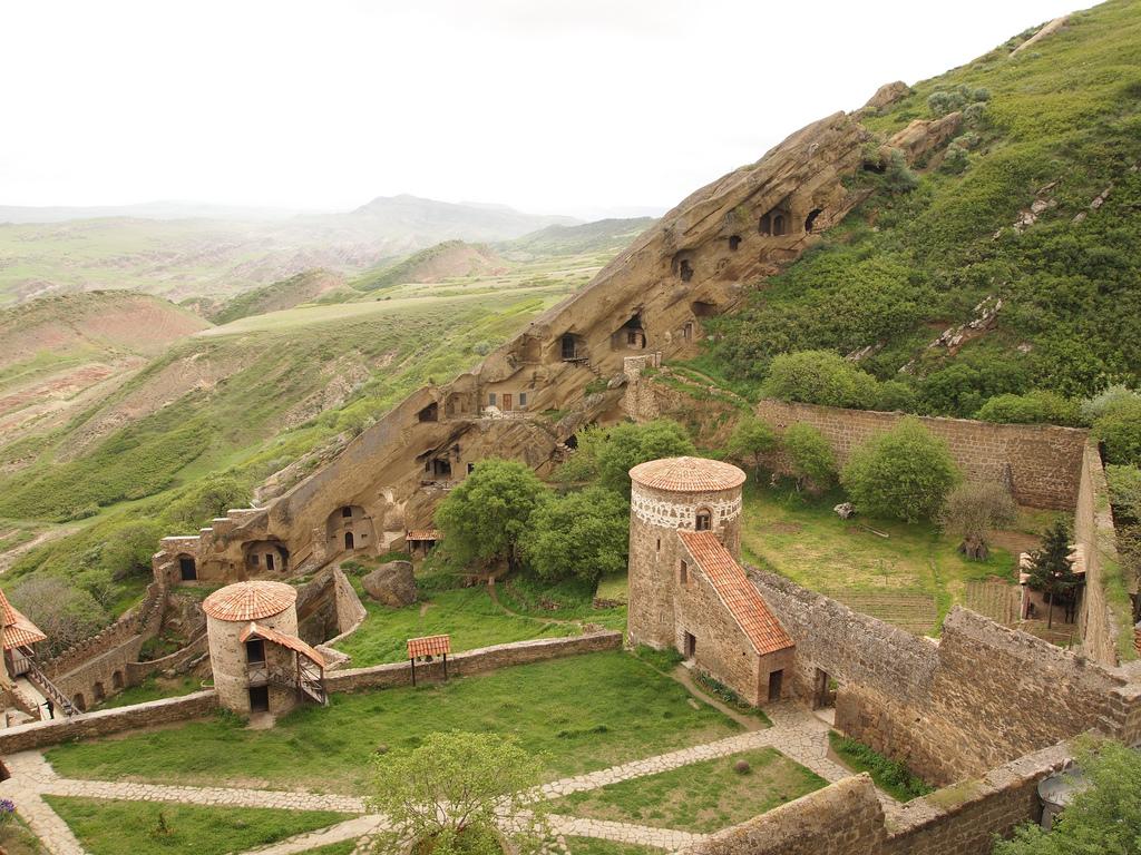 Давидо-Гареджийский монастырь, двор