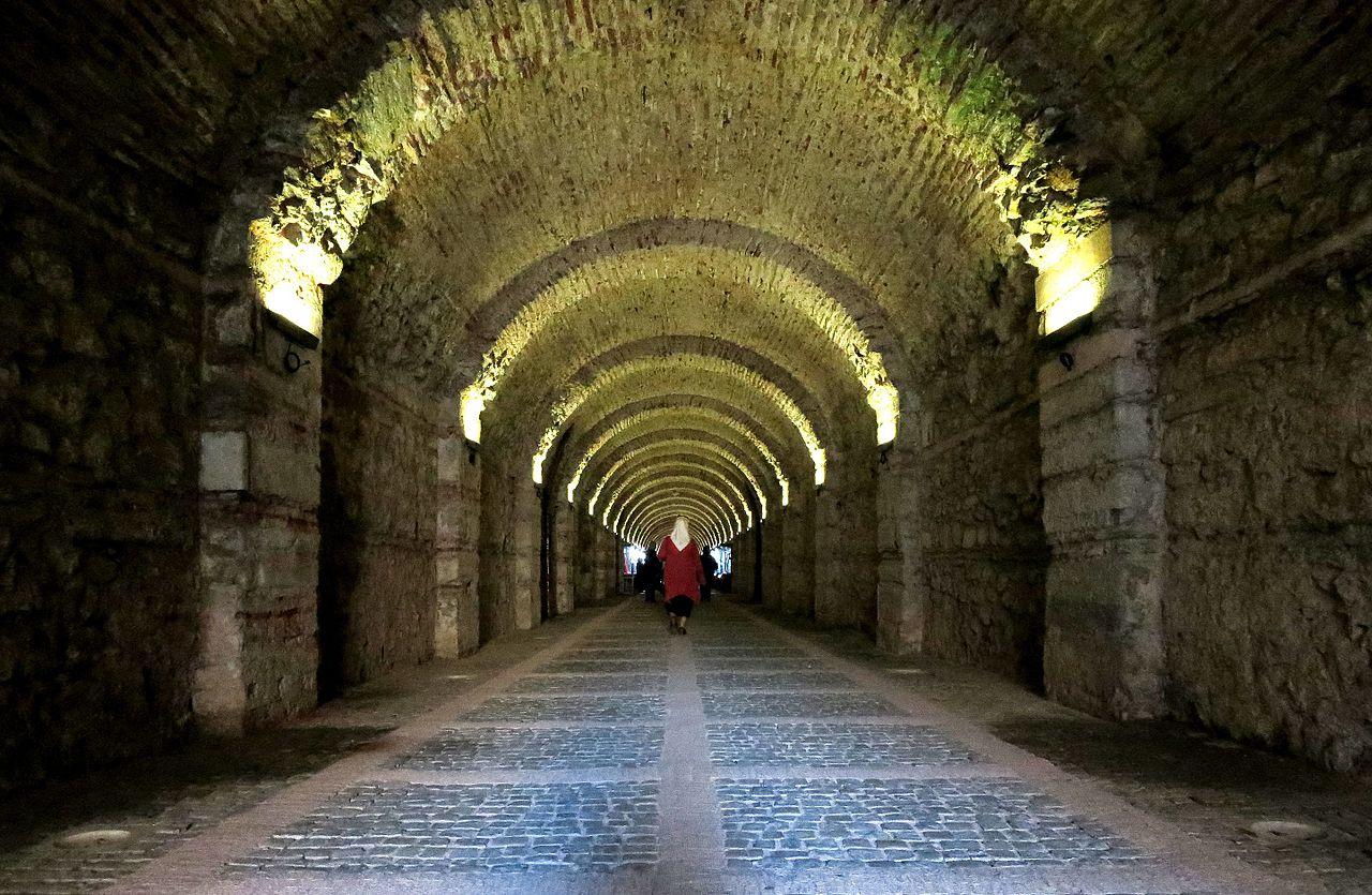 Дворец Бейлербейи, туннель