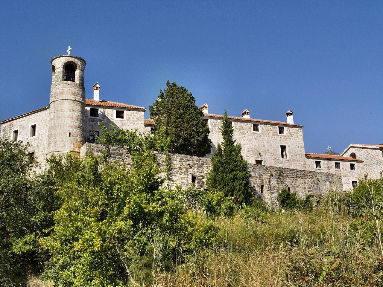 Монастырь Подмаине в городе Будва