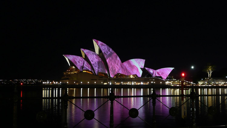 Освещение Сиднейского оперного театра, Сидней