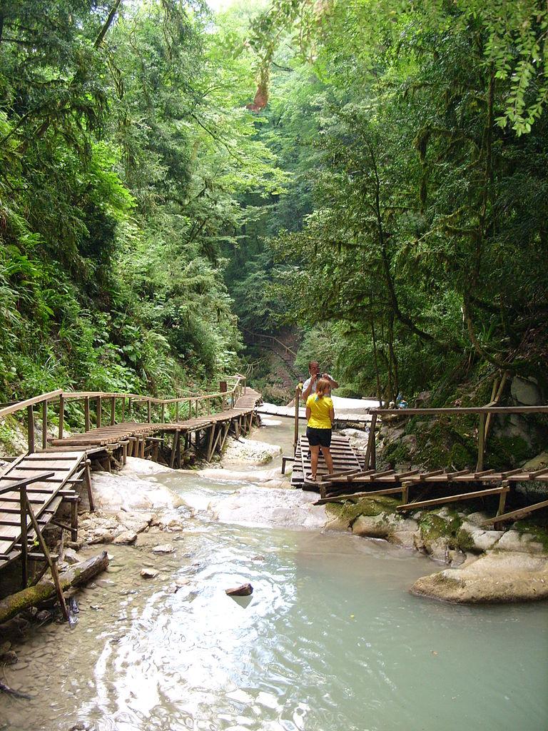 Тридцать три водопада, туристский маршрут