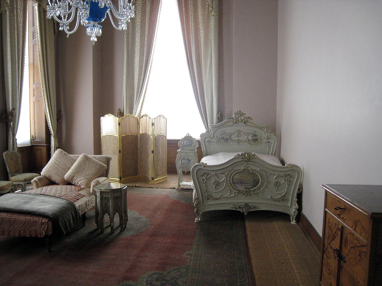Дворец Бейлербейи, спальня султана
