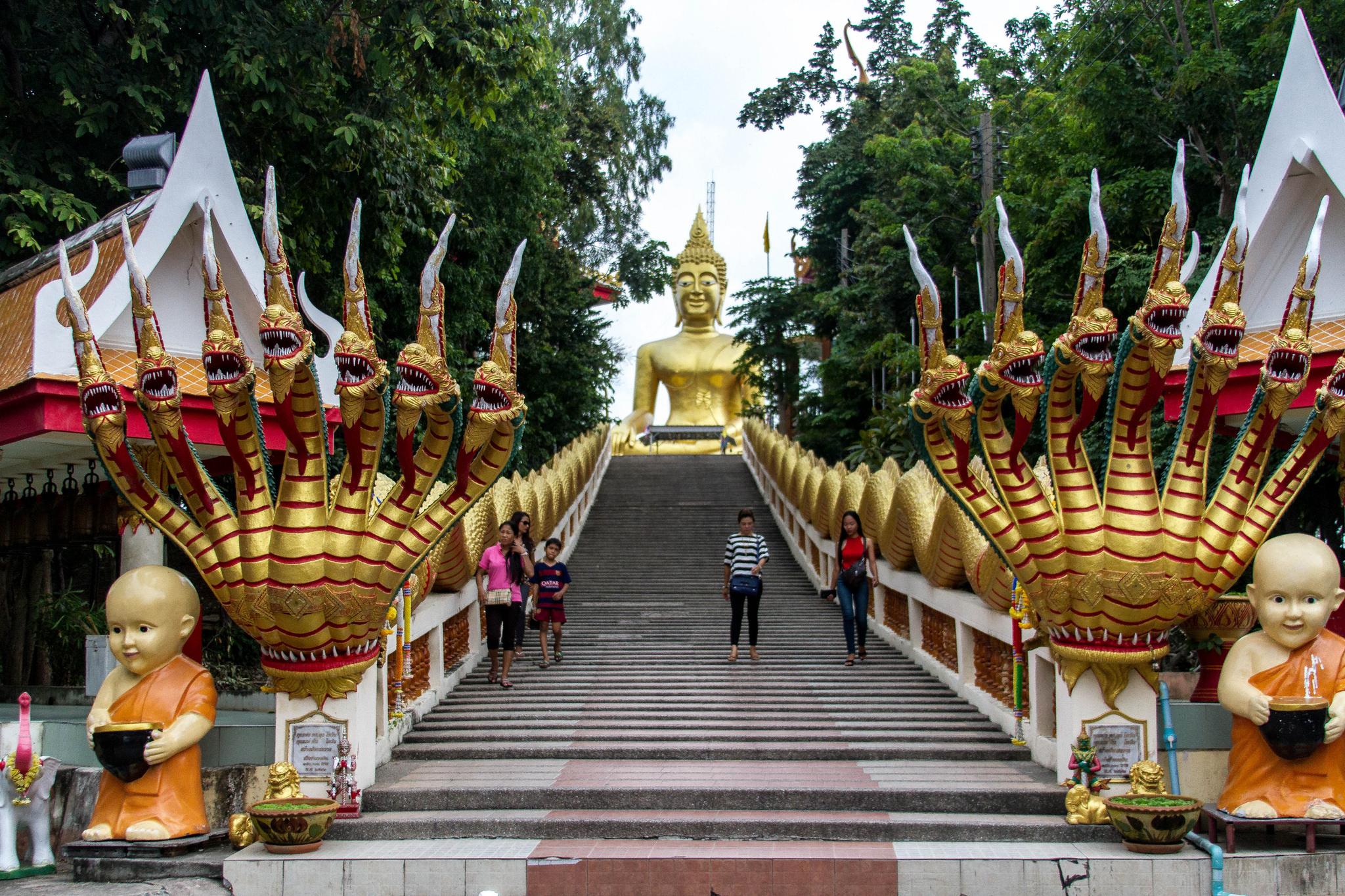 Холм Большого Будды в Паттайе, лестница