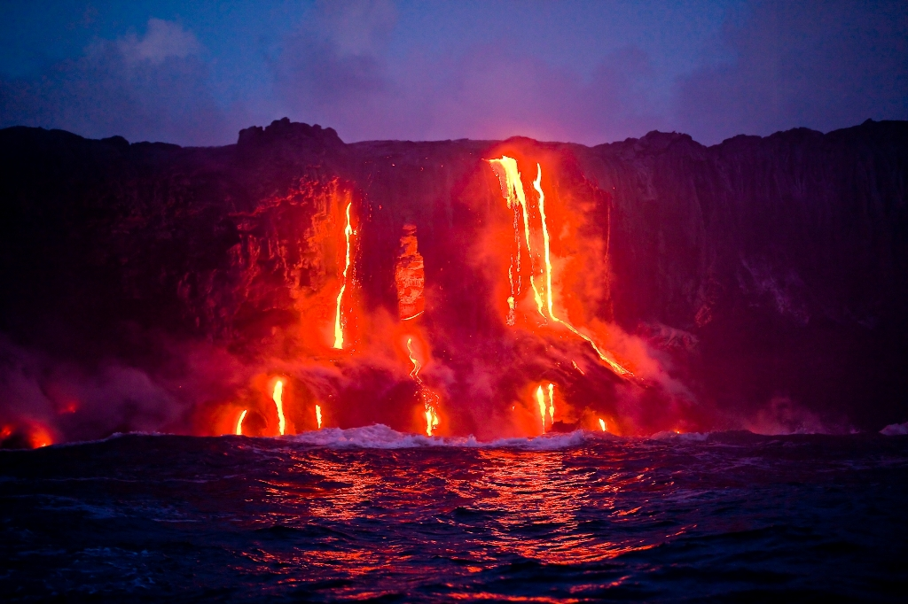 """an introduction to the active volcanoes currently on land or exposed above the sea on islands Of the country's 139 """"active"""" volcanoes, 18 currently have the current eruptions on land range from gentle lava which are the volcanoes to watch in 2018."""