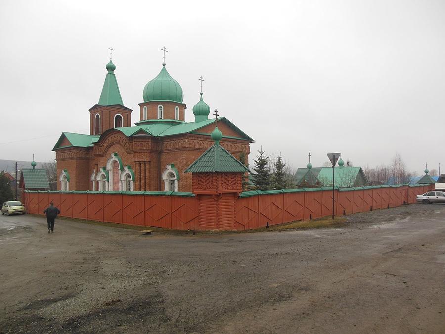 Свято-Троицкий монастырь в Тараскове