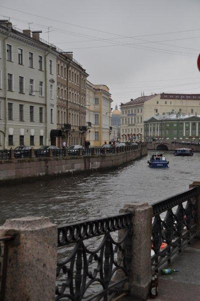Каналы Питера, вдоль которых бродили герои Достоевского