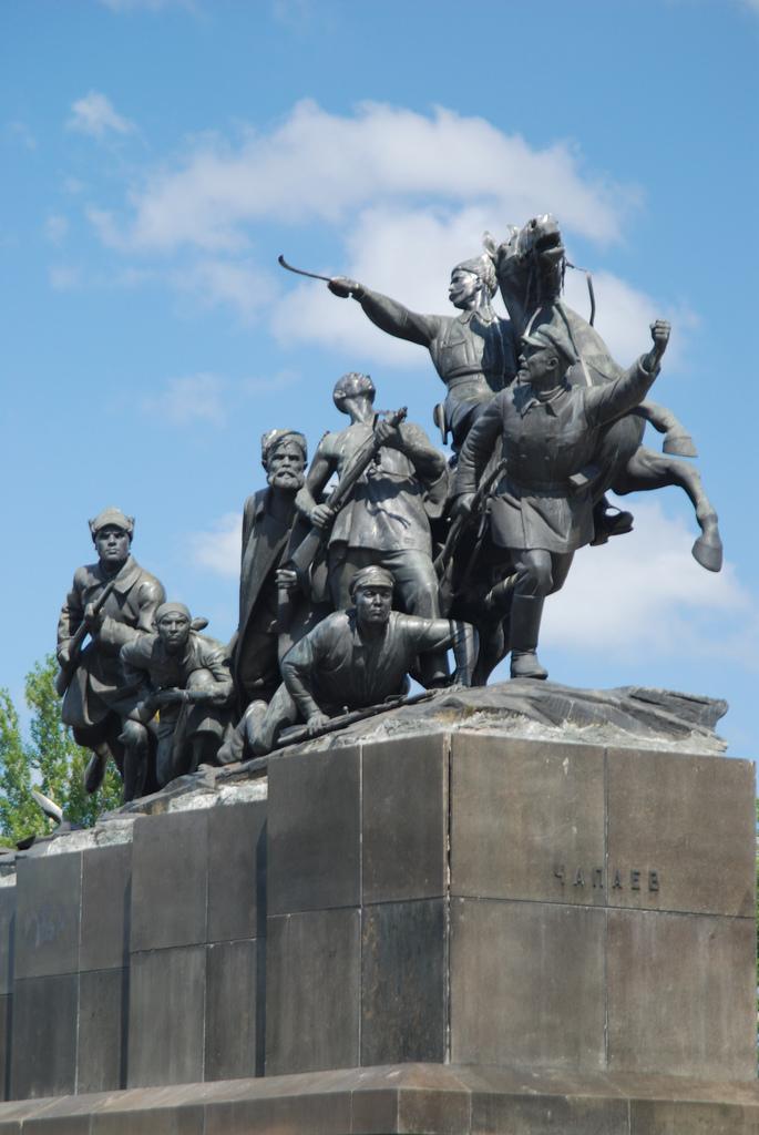 Памятник Чапаеву в Самаре.jpg